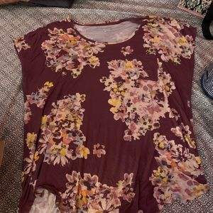 Floral pocket T-shirt